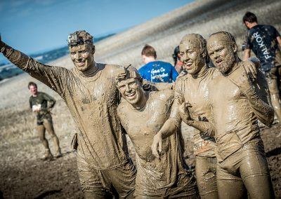 4 muddy charity runners