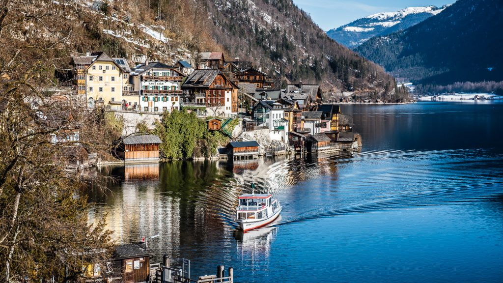 ferry coming in to dock Hallstatt