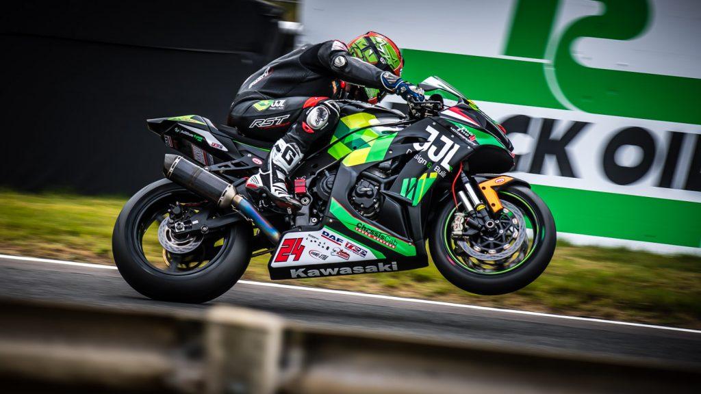 Barry Teasdale Superstock racing wheelie