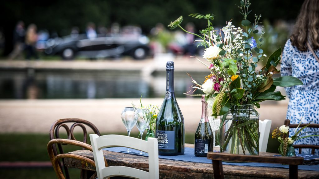 concours of elegance champagne table